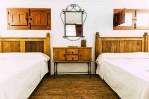 dormitorios cortijo abril carcabuey cordoba